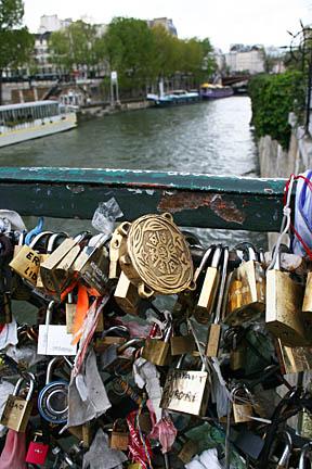 Paris1 088